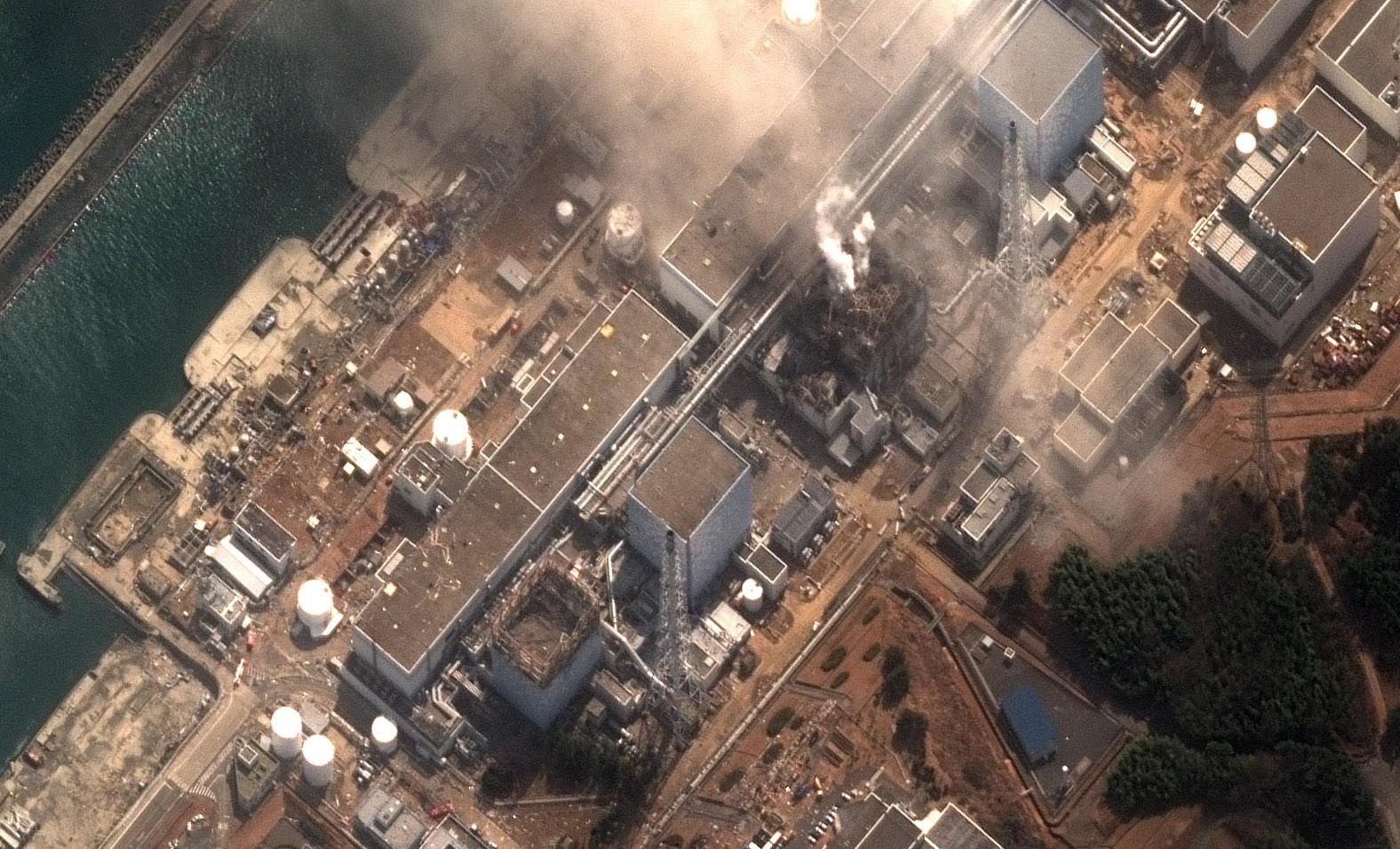 انفجار مفاعل فوكوشيما في اليابان